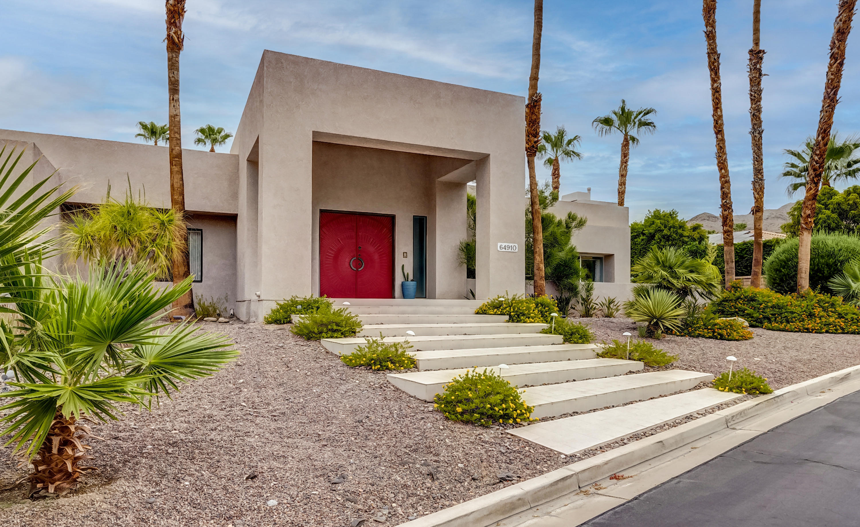 Photo of 64910 Montevideo Way, Palm Springs, CA 92264