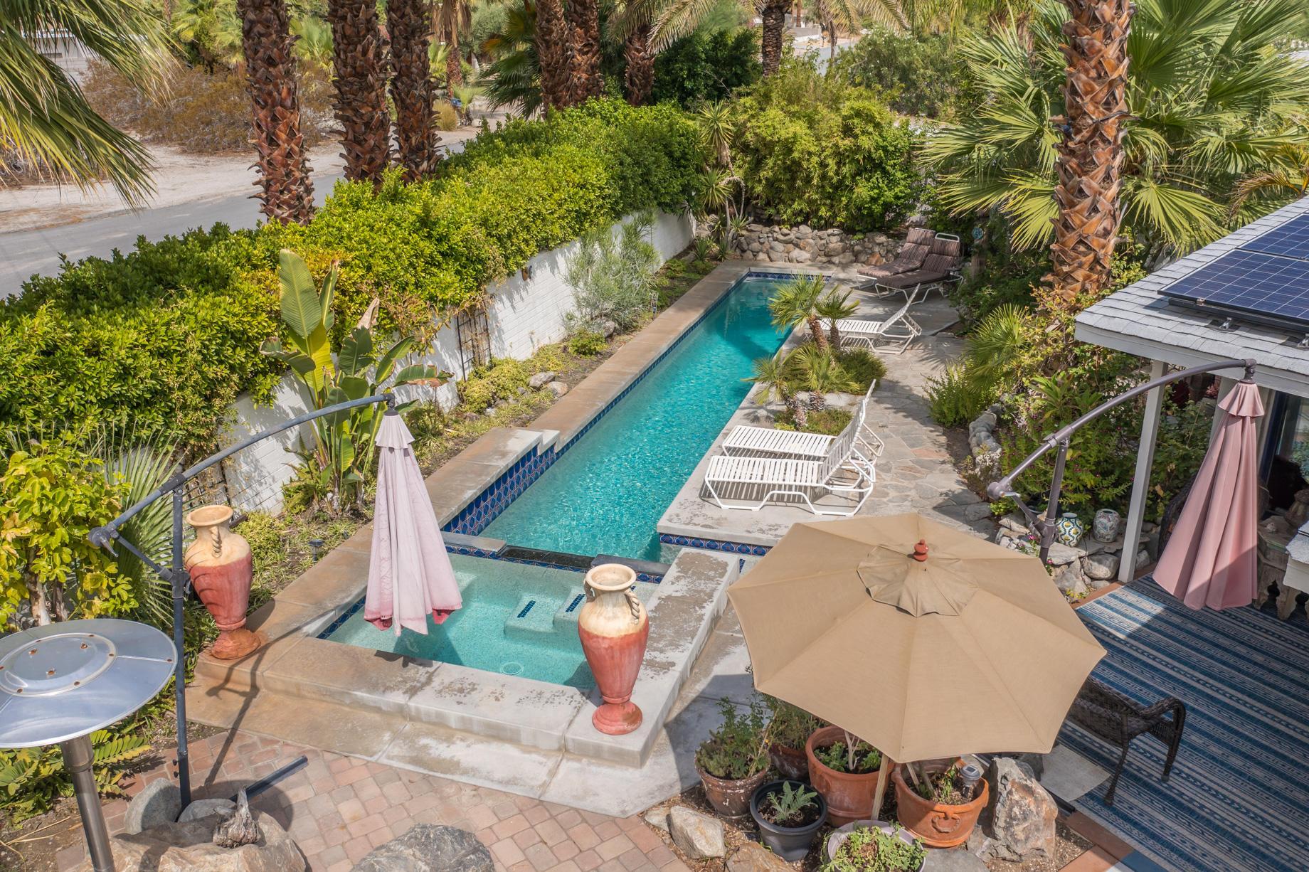 Photo of 420 W ViA Escuela, Palm Springs, CA 92262