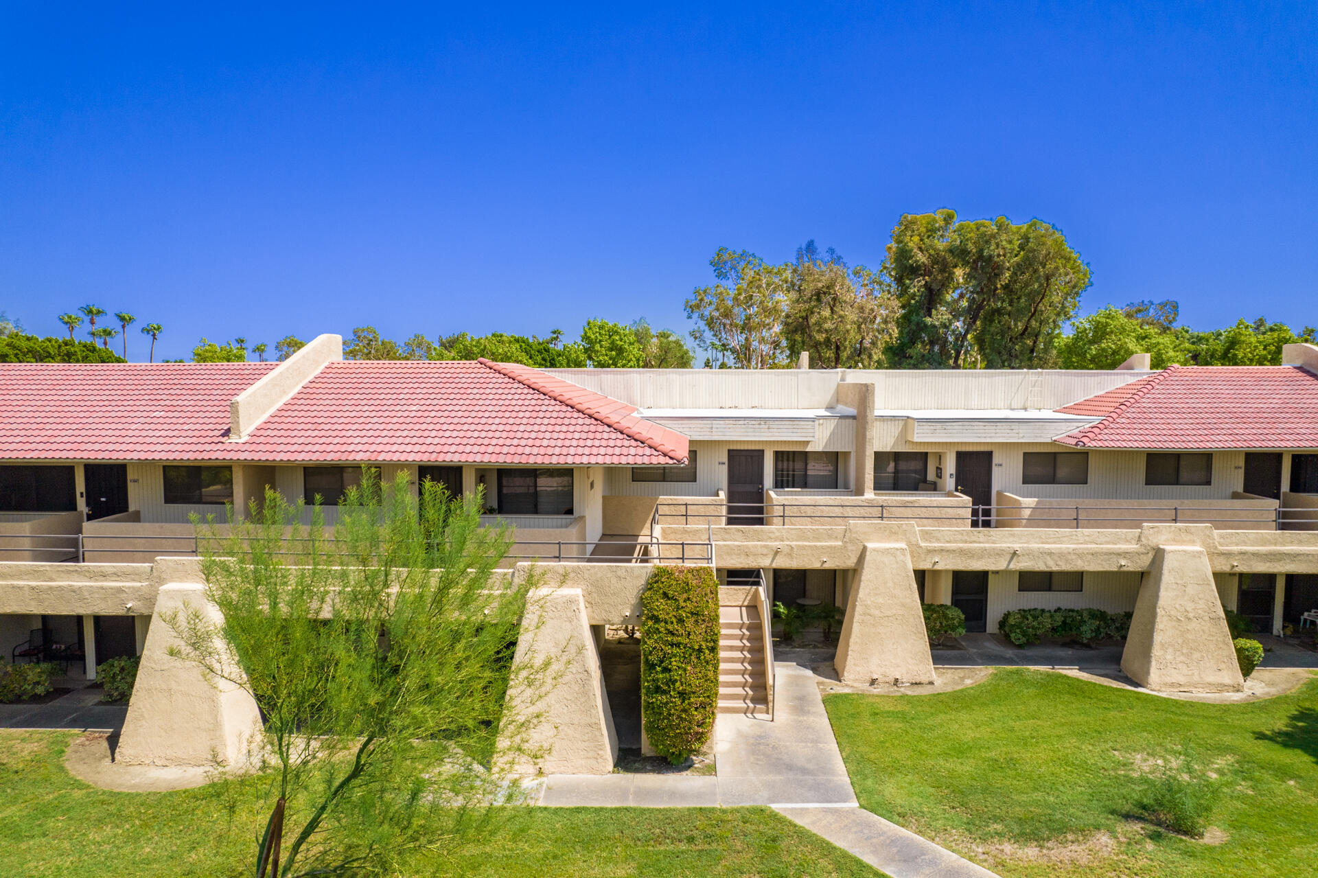 2822 N Auburn Court, Palm Springs, CA 92262