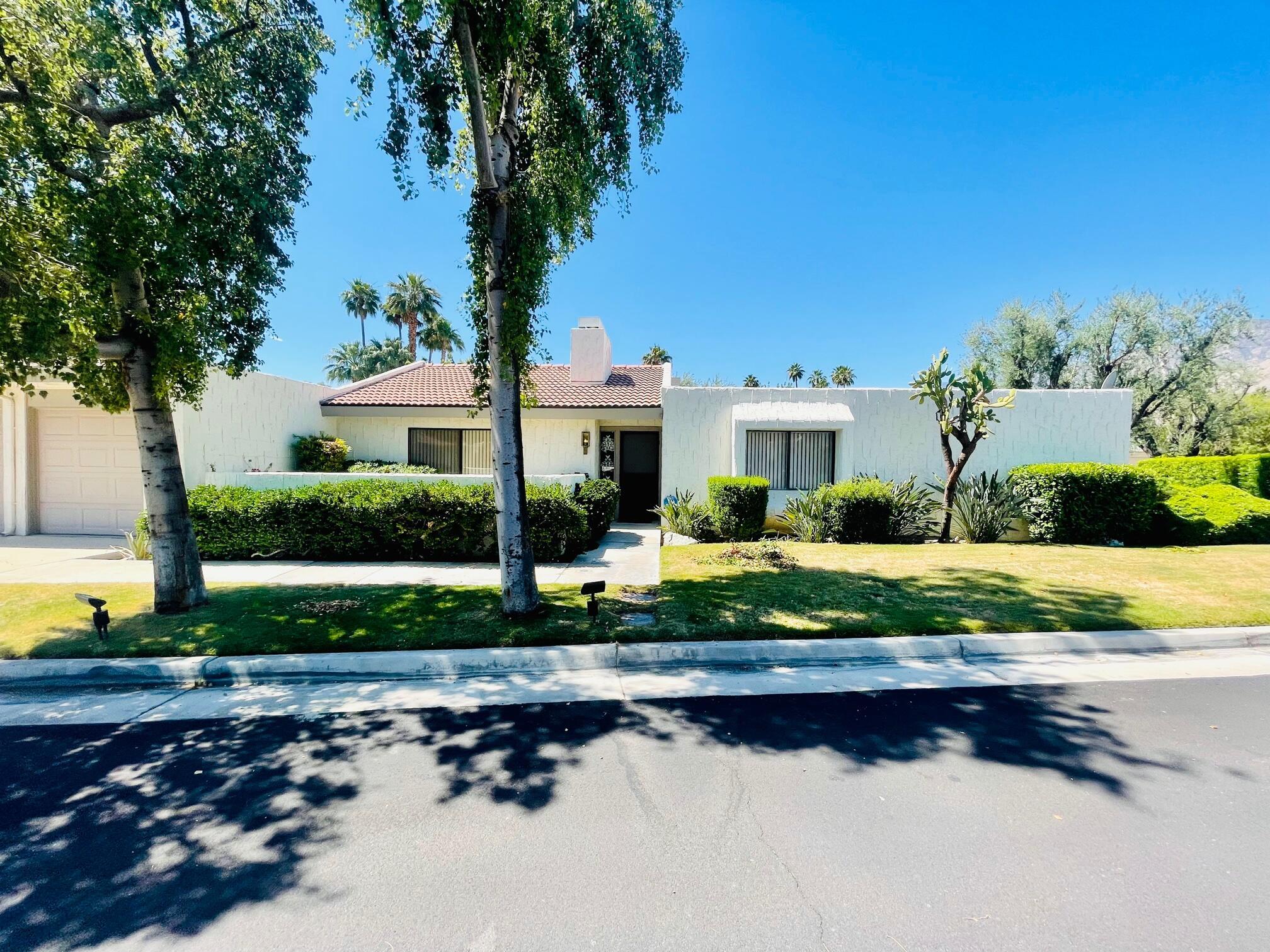 2113 Sunshine Way, Palm Springs, CA 92264