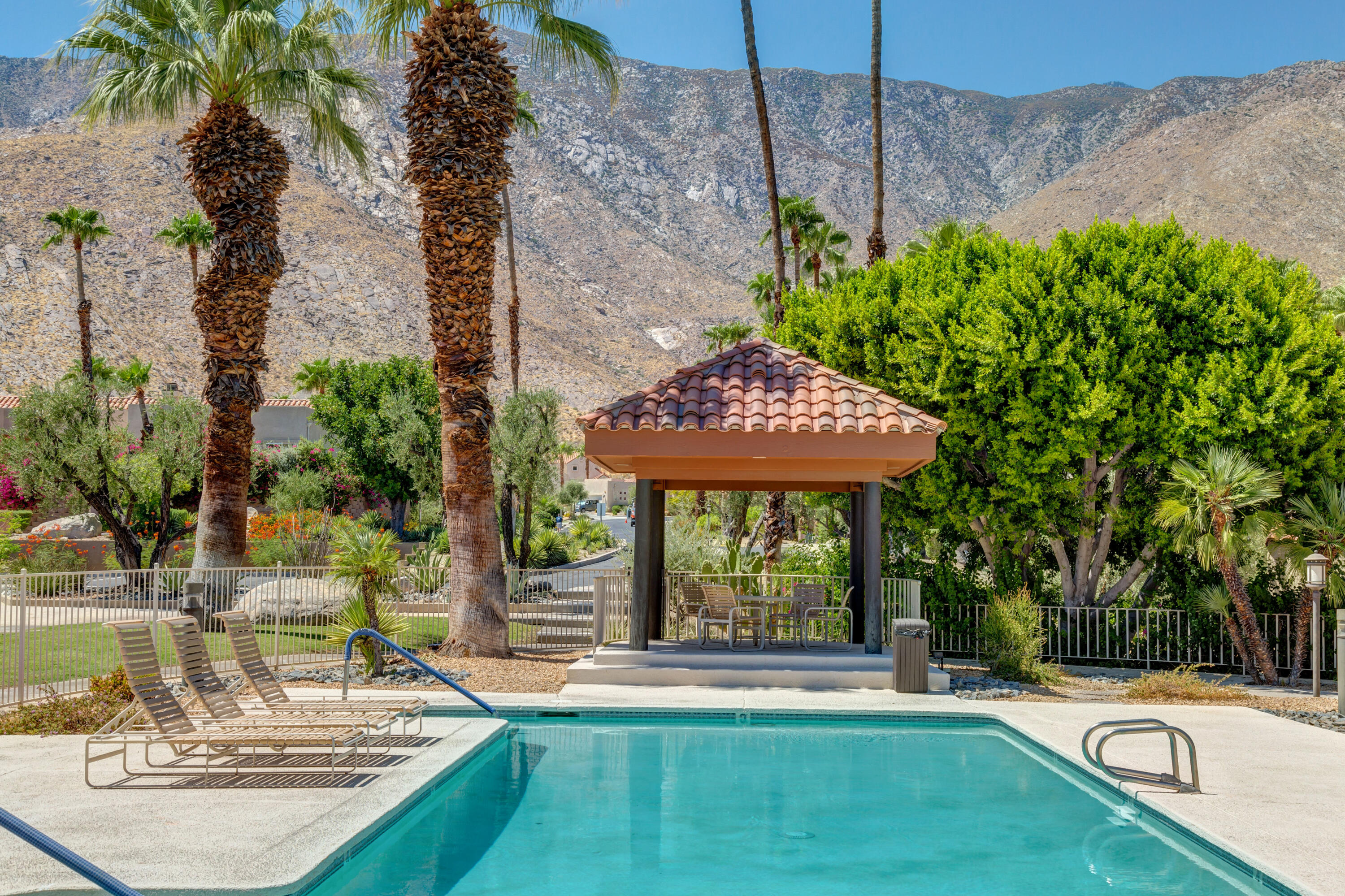 2884 N Andalucia Court, Palm Springs, CA 92264
