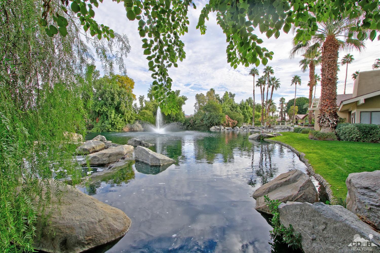 206 Green Mountain Drive, Palm Desert, CA 92211