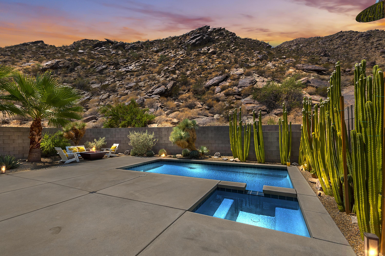 Photo of 1129 Iris Lane, Palm Springs, CA 92264