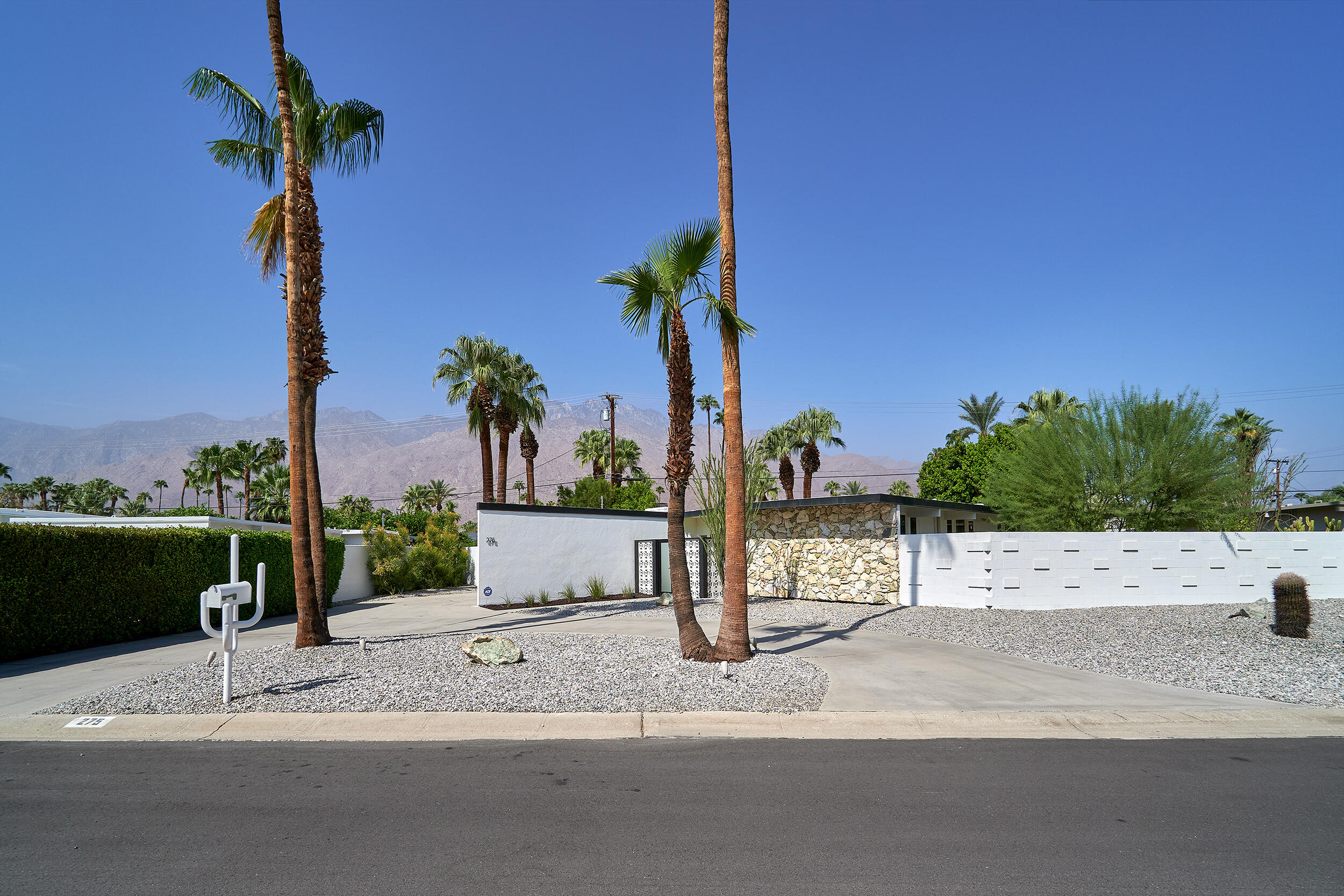 Photo of 275 N Michelle Road, Palm Springs, CA 92262