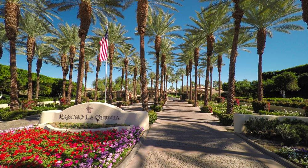 Beautiful condo located on the first fairway of the Pate Golf Course.