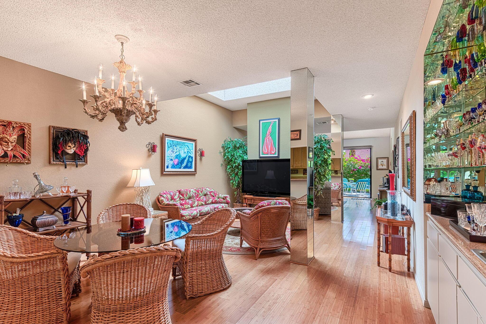 1343 E Amado Road, Palm Springs, CA 92262