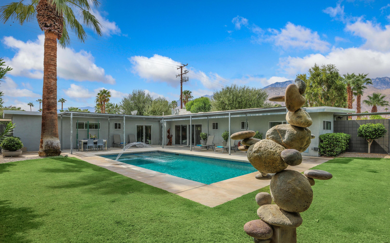 1114 N Calle Marcus, Palm Springs, CA 92262