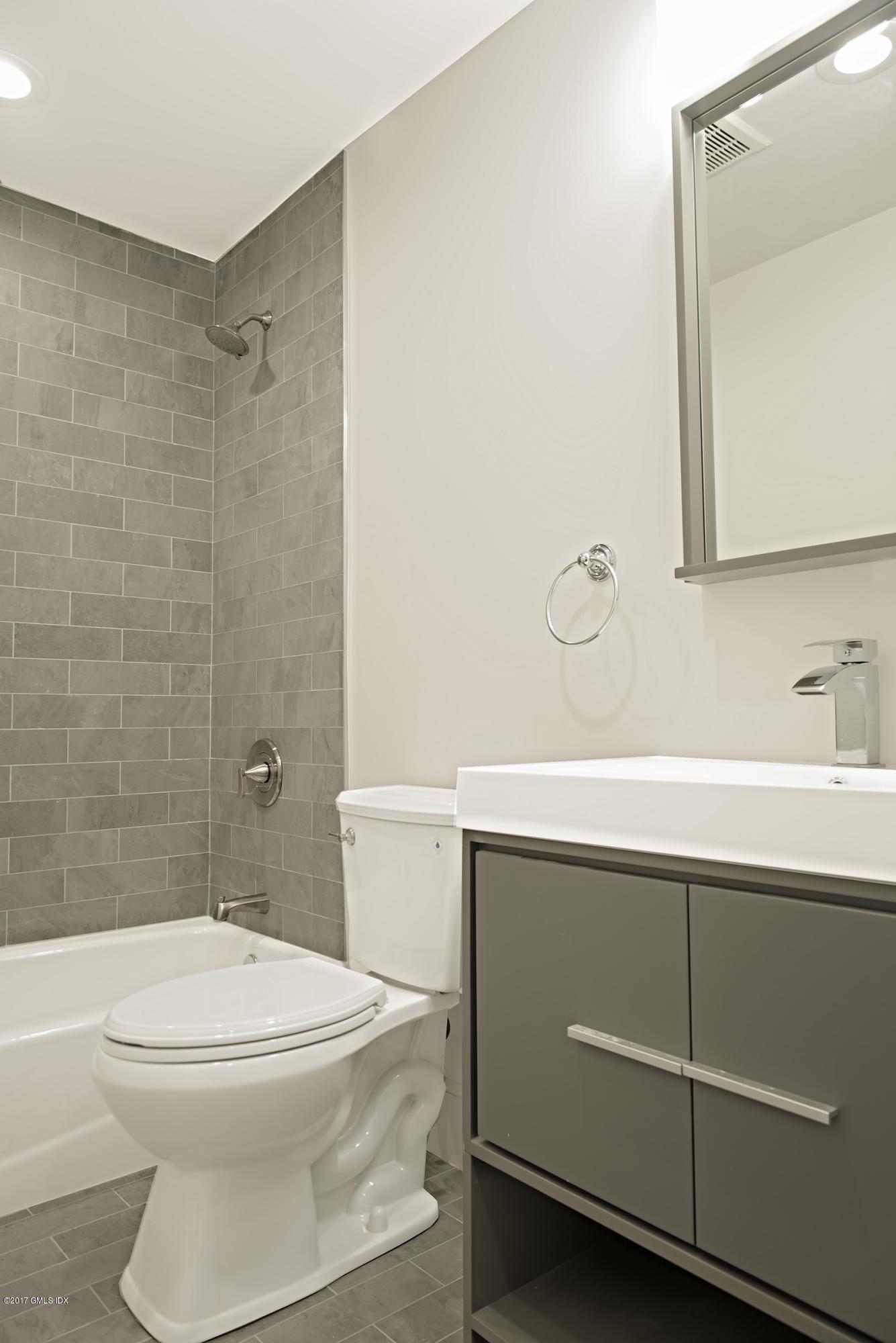 35 Boulder Brook Road,Greenwich,Connecticut 06830,5 Bedrooms Bedrooms,5 BathroomsBathrooms,Single family,Boulder Brook,100349