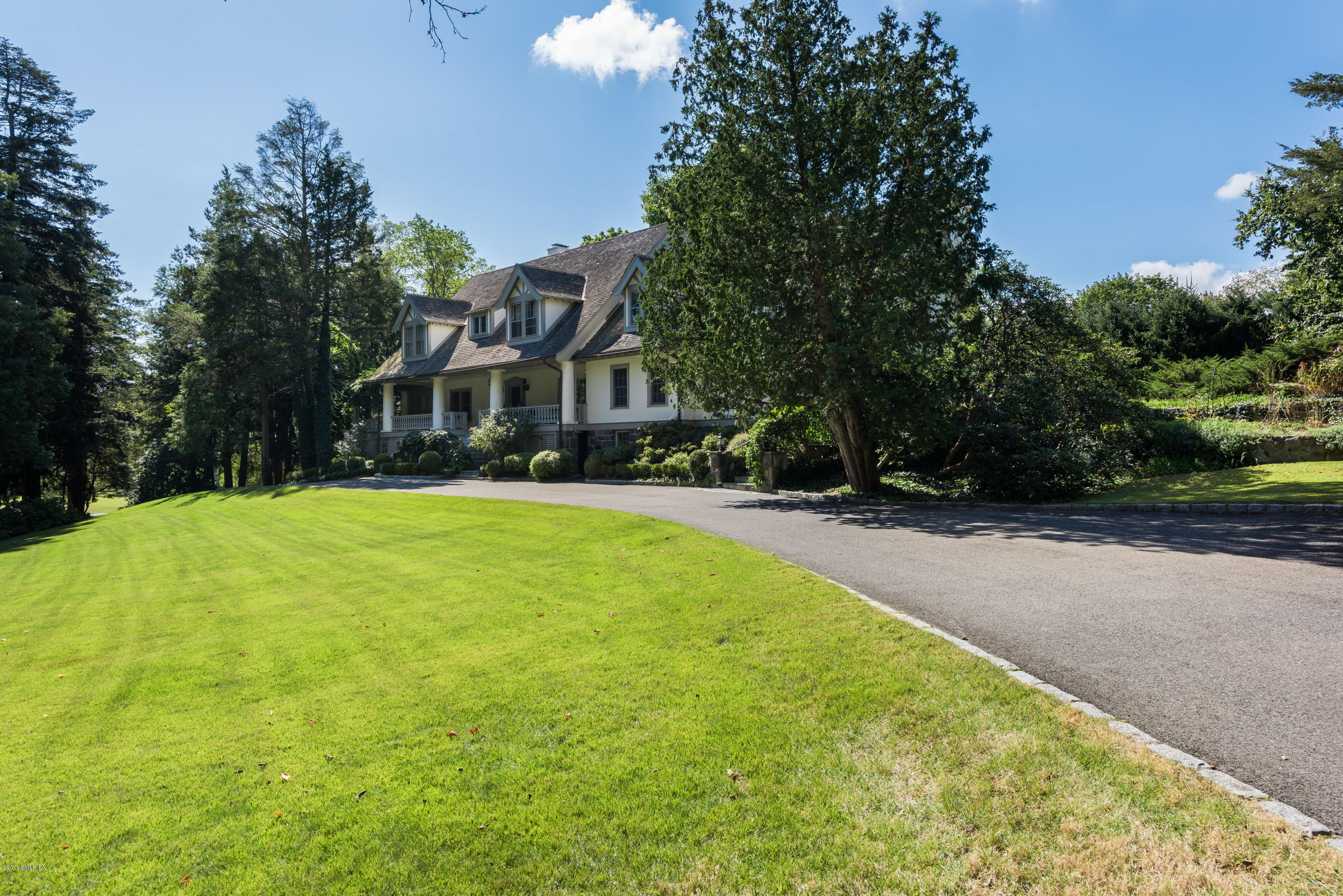 10 Hillside Drive, Greenwich, CT 06831