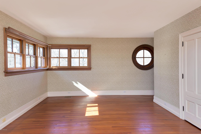 Lake Avenue,Greenwich,Connecticut 06830,5 Bedrooms Bedrooms,4 BathroomsBathrooms,Single family,Lake,102614