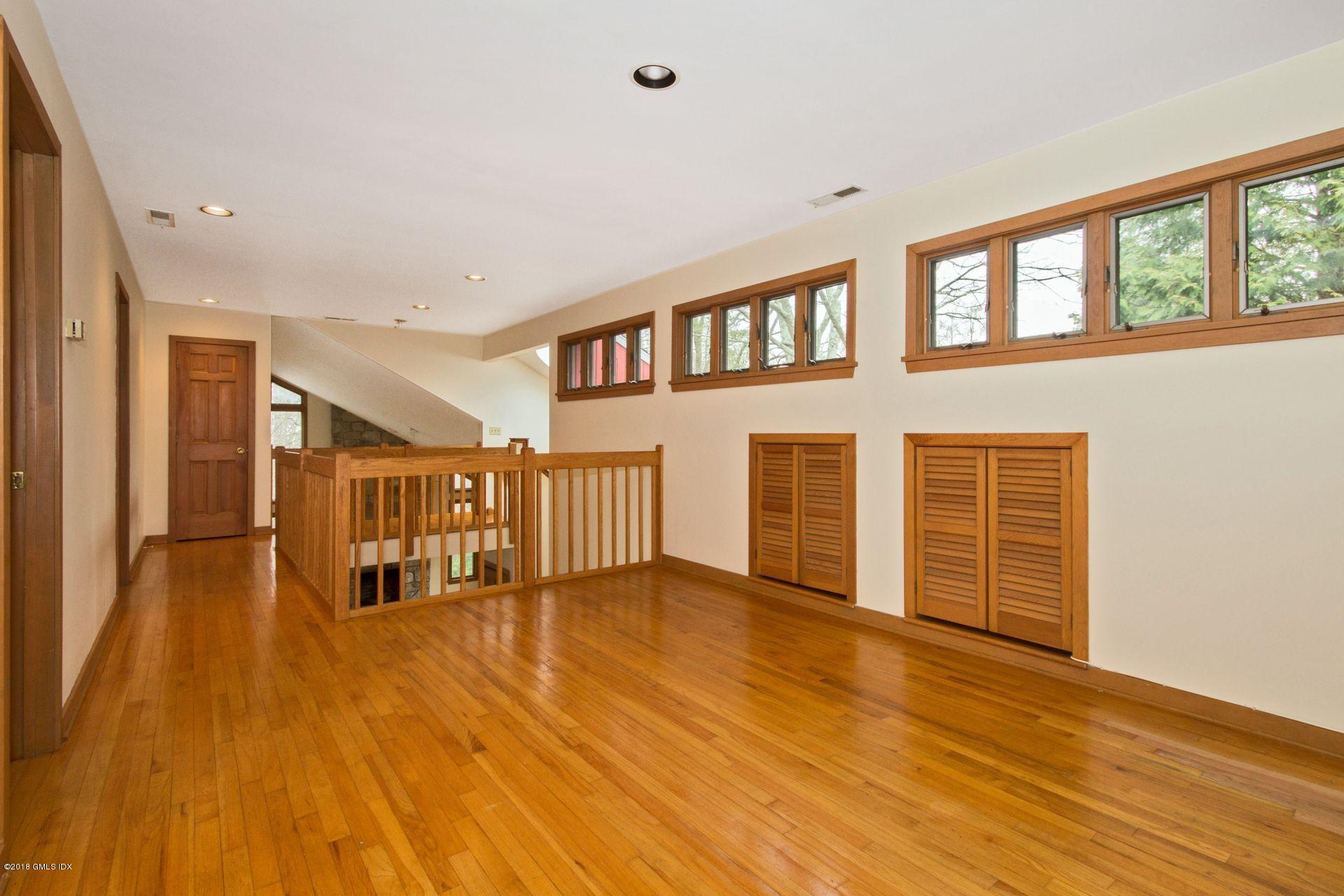 22 The Avenue,Greenwich,Connecticut 06831,4 Bedrooms Bedrooms,4 BathroomsBathrooms,Single family,The,102739