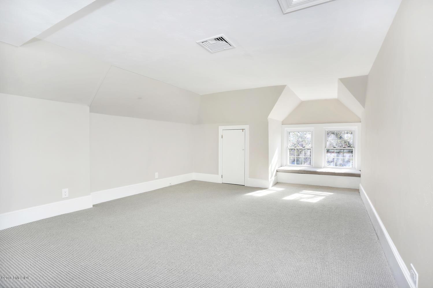 123 Maple Avenue, Greenwich, CT 06830