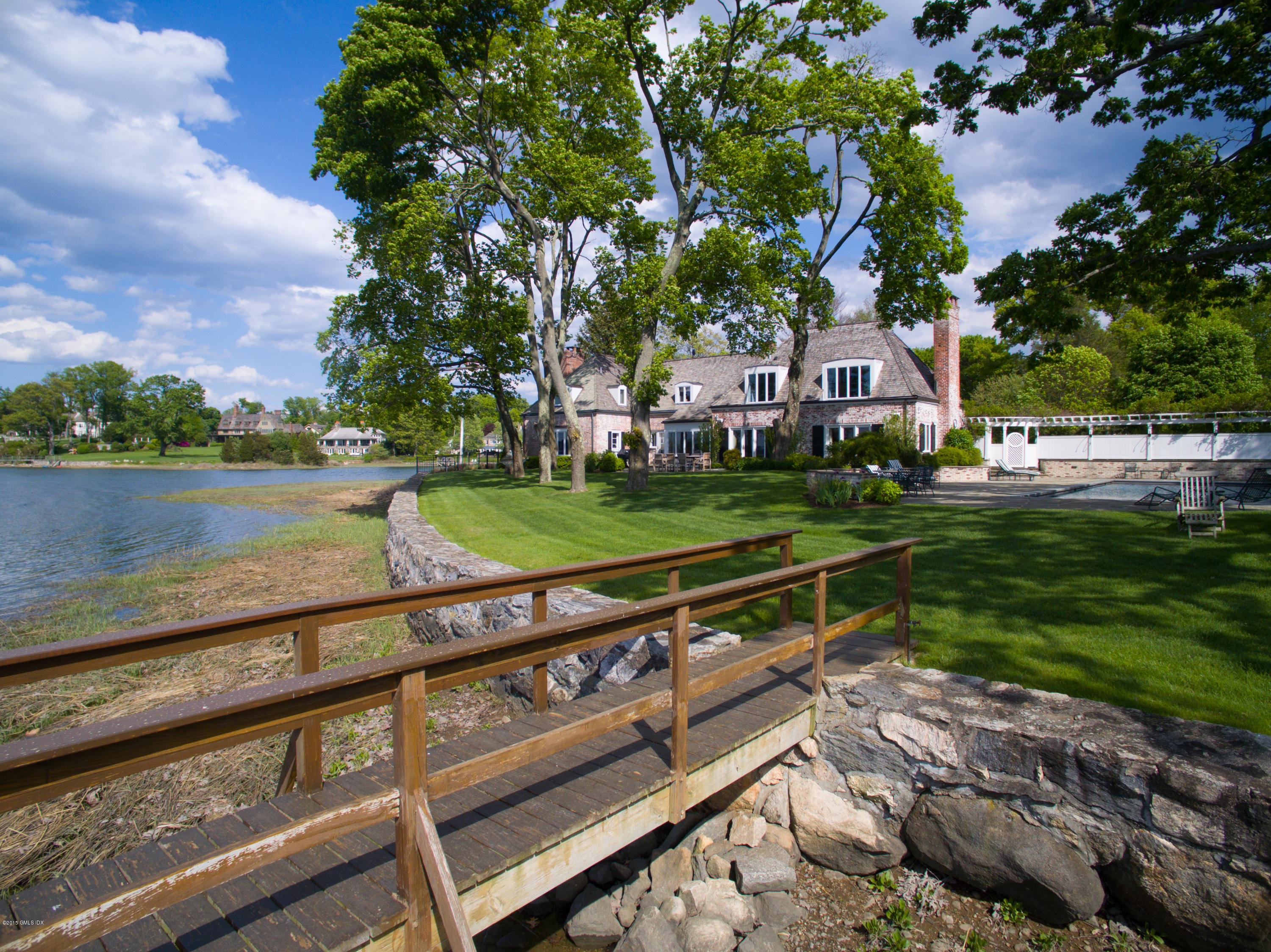 14 Marlow Court, Riverside, CT 06878
