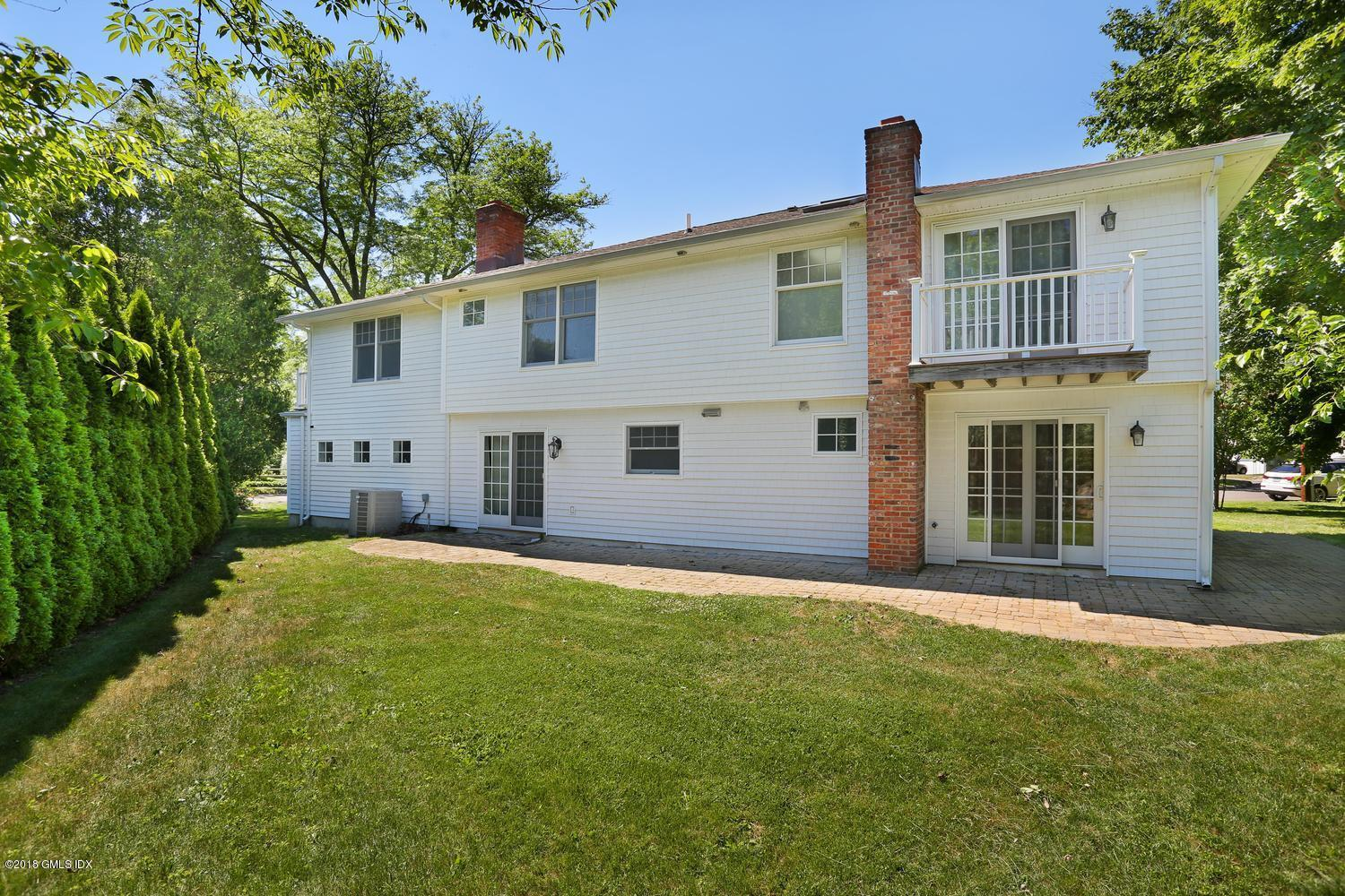 20 Innis Lane, Old Greenwich, CT 06870