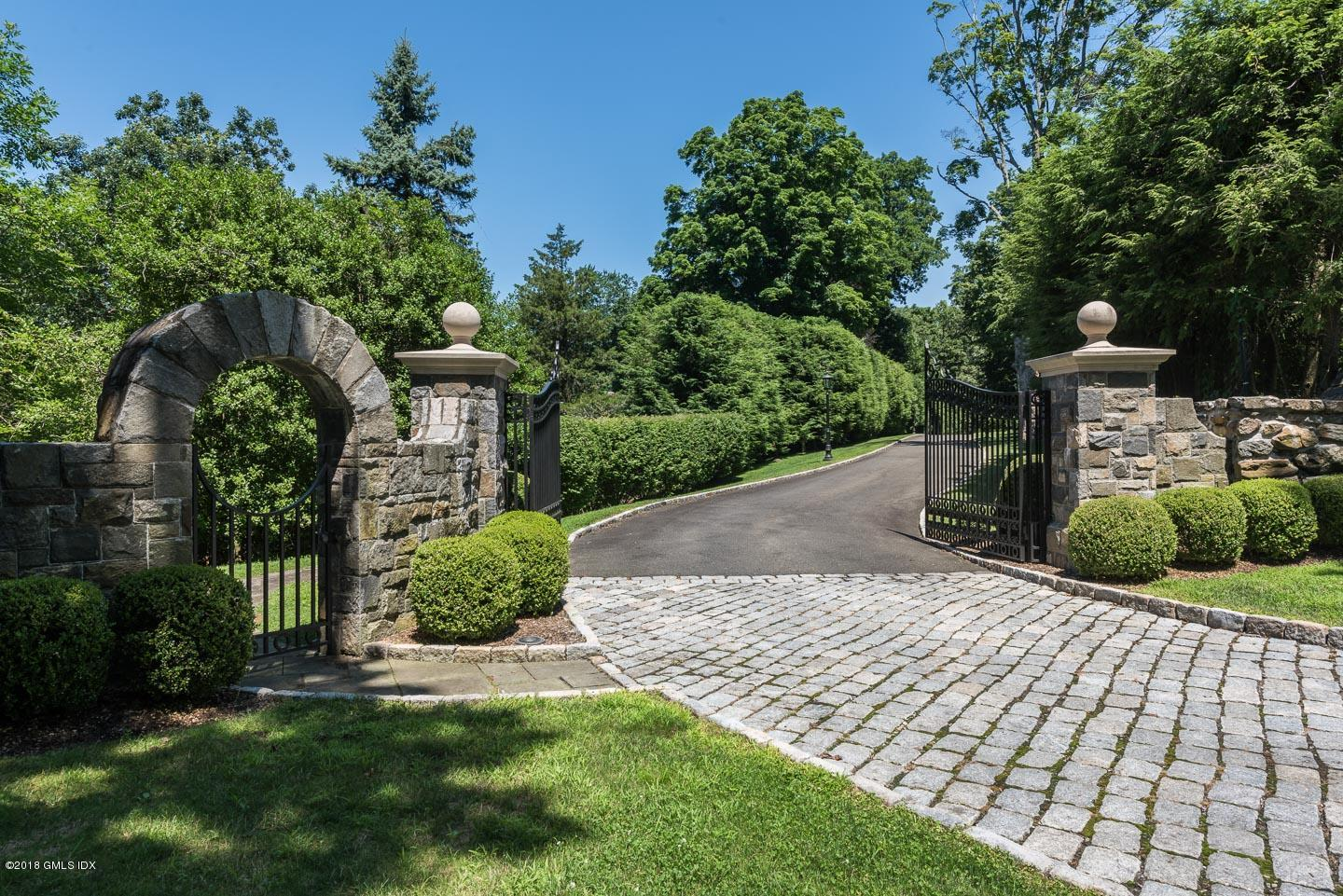 6 Lauder Way, Greenwich, CT 06830
