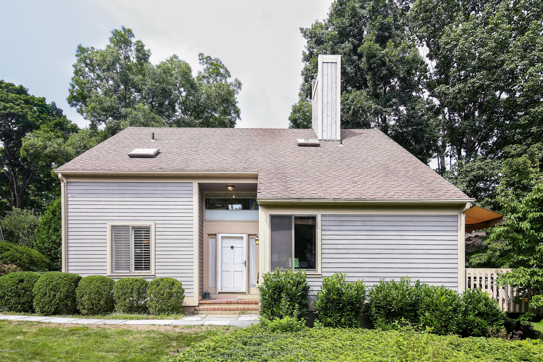 307 W Lyon Farm Drive, #307, Greenwich, CT 06831