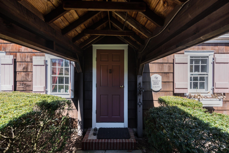 258 Hollow Tree Ridge Road, Darien, CT 06820