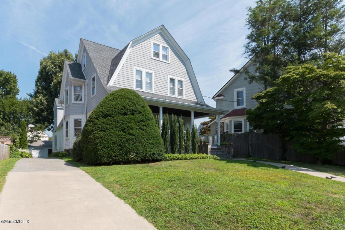 99 Elm Street,Greenwich,Connecticut 06830,5 Bedrooms Bedrooms,4 BathroomsBathrooms,Elm,104325