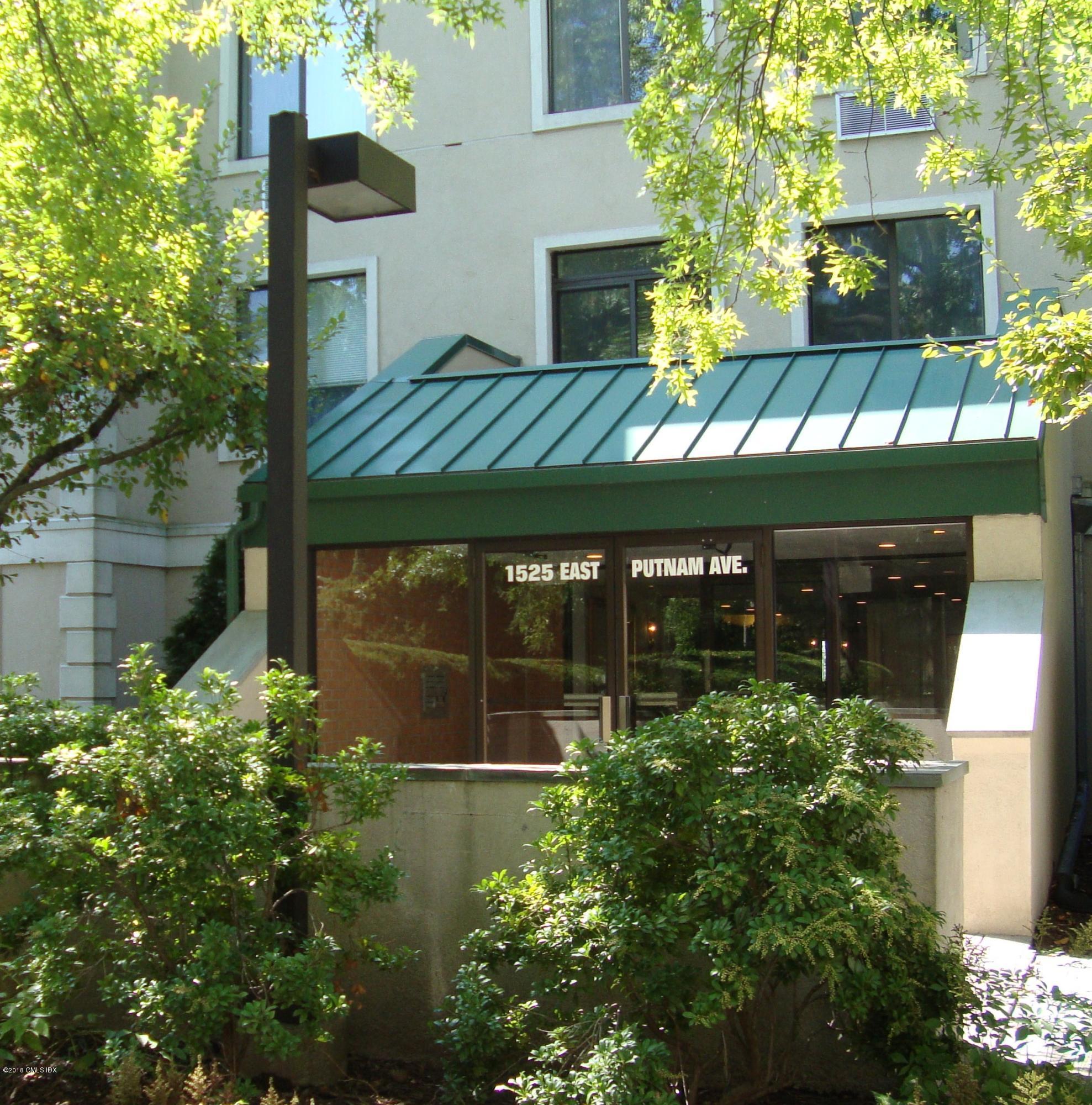 1525 E Putnam Avenue, #208, Old Greenwich, CT 06870