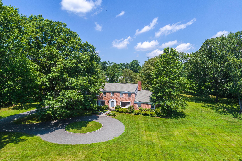33 Meadowcroft Lane,Greenwich,Connecticut 06830,5 Bedrooms Bedrooms,3 BathroomsBathrooms,Single family,Meadowcroft,104242
