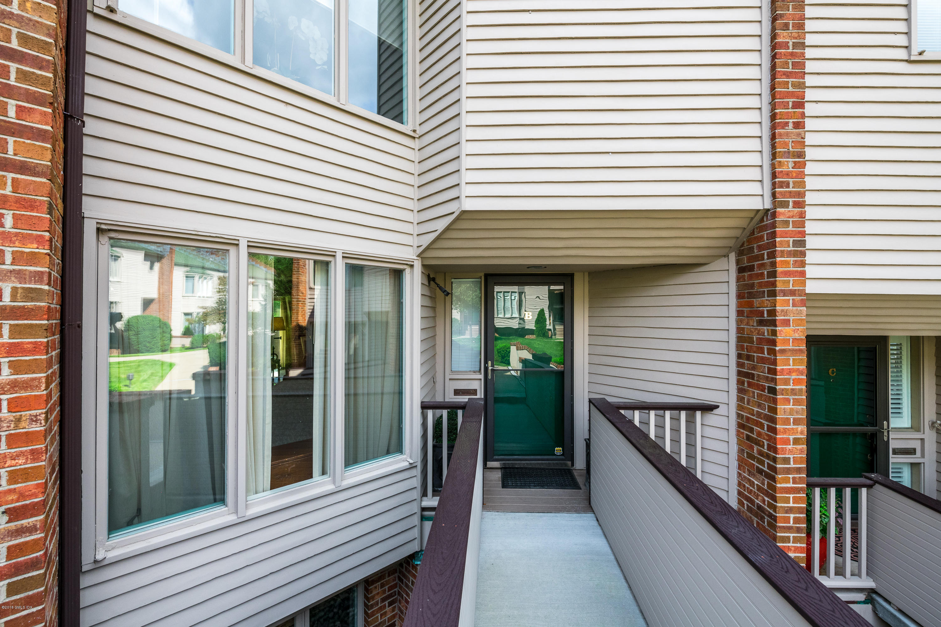 101 Lewis Street,Greenwich,Connecticut 06830,3 Bedrooms Bedrooms,2 BathroomsBathrooms,Condominium,Lewis,104479