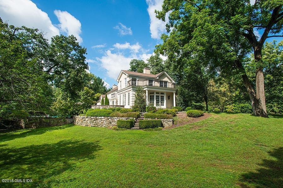 2 Round Hill Road,Greenwich,Connecticut 06831,5 Bedrooms Bedrooms,4 BathroomsBathrooms,Round Hill,104647