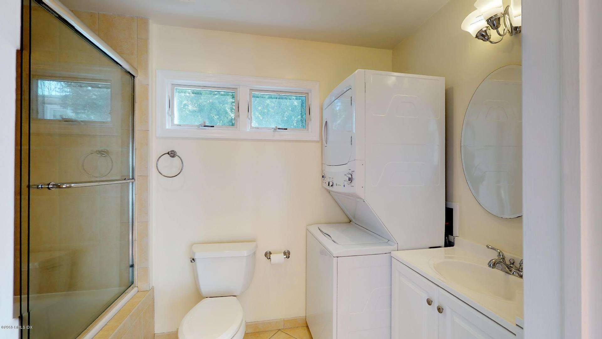 80 Sound Beach Avenue,Riverside,Connecticut 06878,4 Bedrooms Bedrooms,2 BathroomsBathrooms,Single family,Sound Beach,104869
