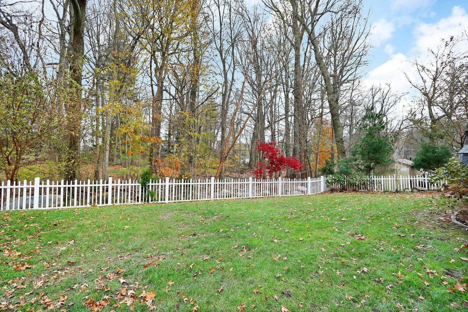 17 Dialstone Lane, Riverside, CT 06878