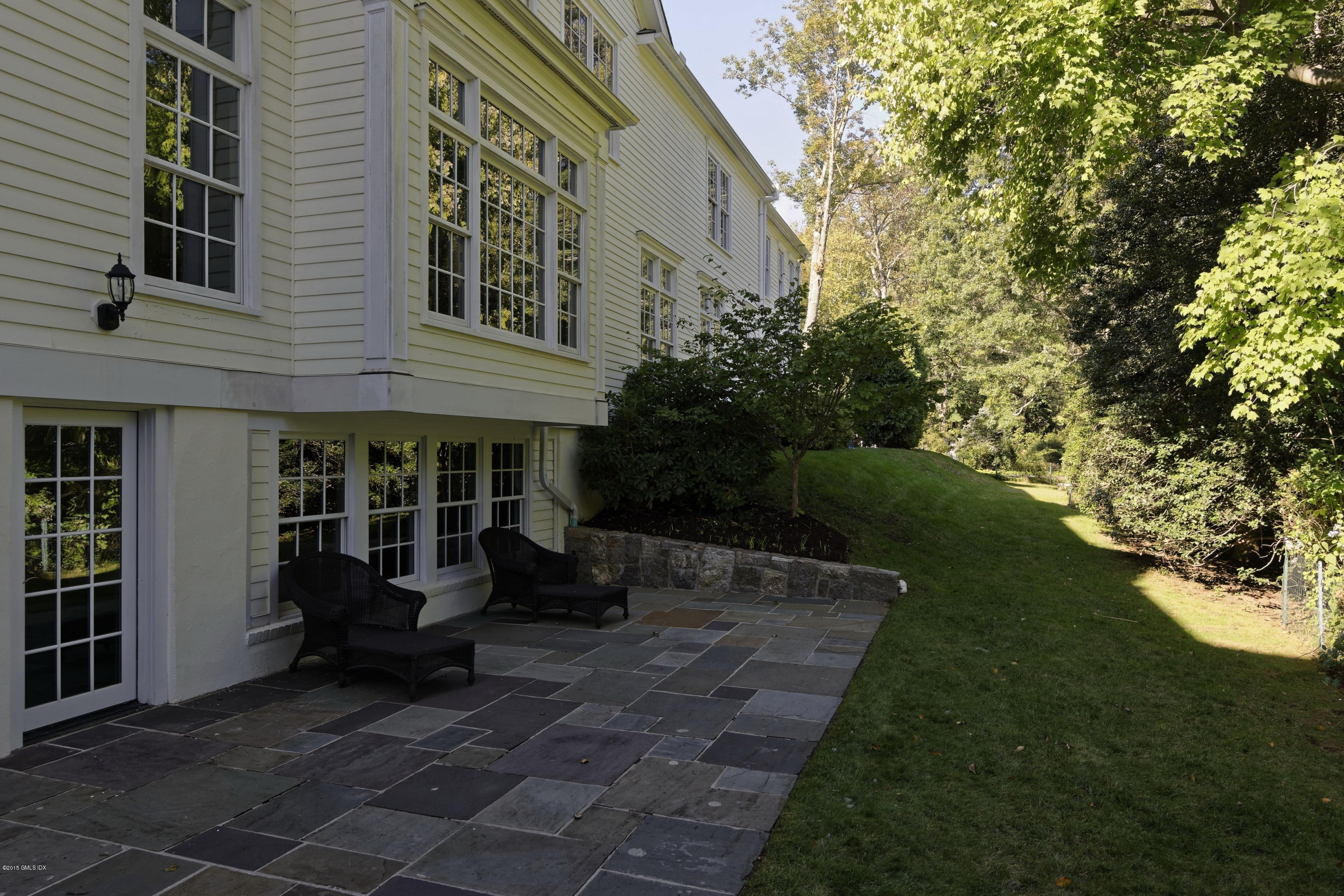 1 Butternut Hollow Road, Greenwich, CT 06830