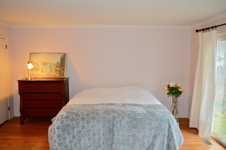 10 Limerick Place,Cos Cob,Connecticut 06807,4 Bedrooms Bedrooms,3 BathroomsBathrooms,Single family,Limerick,105055