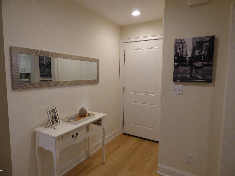 239 Putnam Avenue,Cos Cob,Connecticut 06807,1 Bedroom Bedrooms,1 BathroomBathrooms,Apartment,Putnam,105061