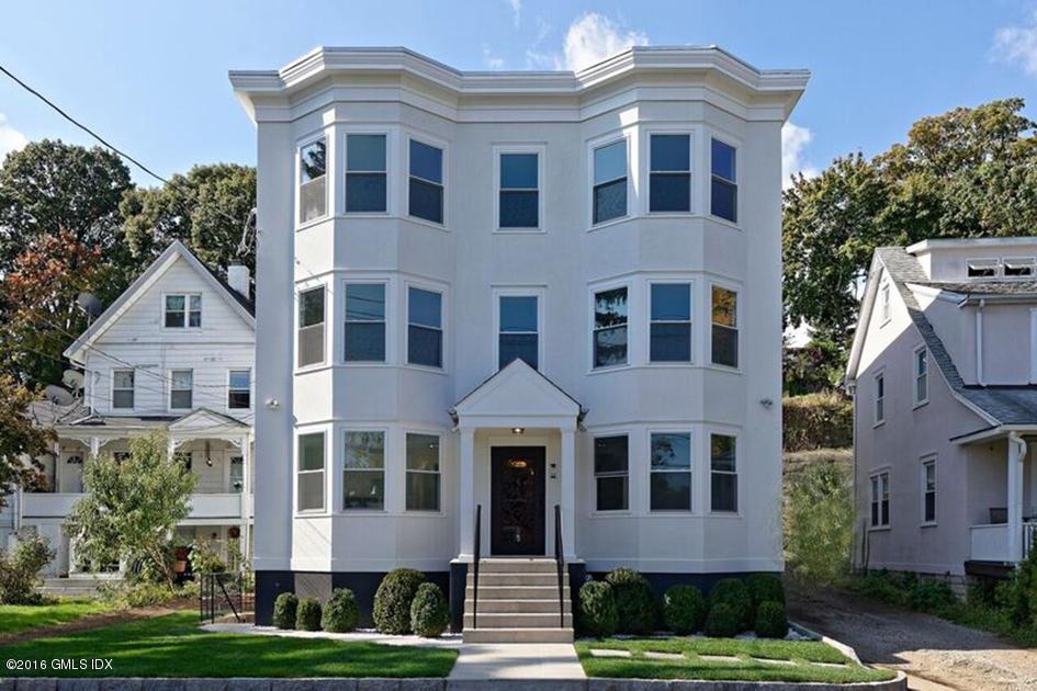 60 Oak Ridge Street,Greenwich,Connecticut 06830,2 Bedrooms Bedrooms,1 BathroomBathrooms,Apartment,Oak Ridge,105066