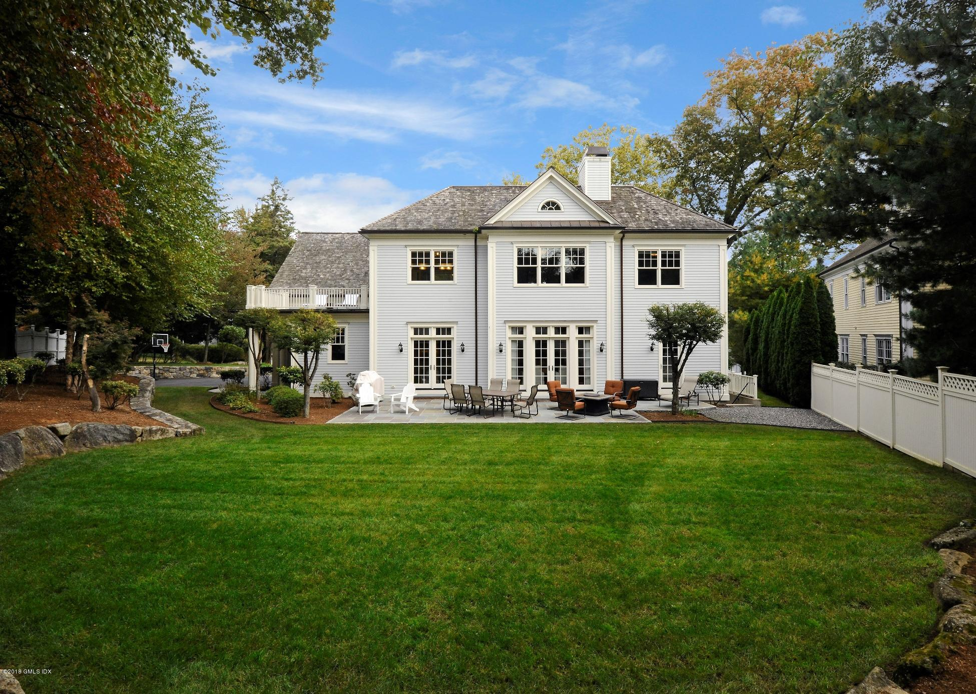 29 Crescent Road, Riverside, CT 06878
