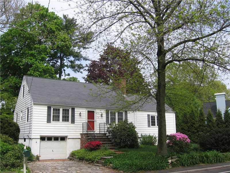 Old Greenwich,Connecticut 06870,4 Bedrooms Bedrooms,2 BathroomsBathrooms,Single family,105212