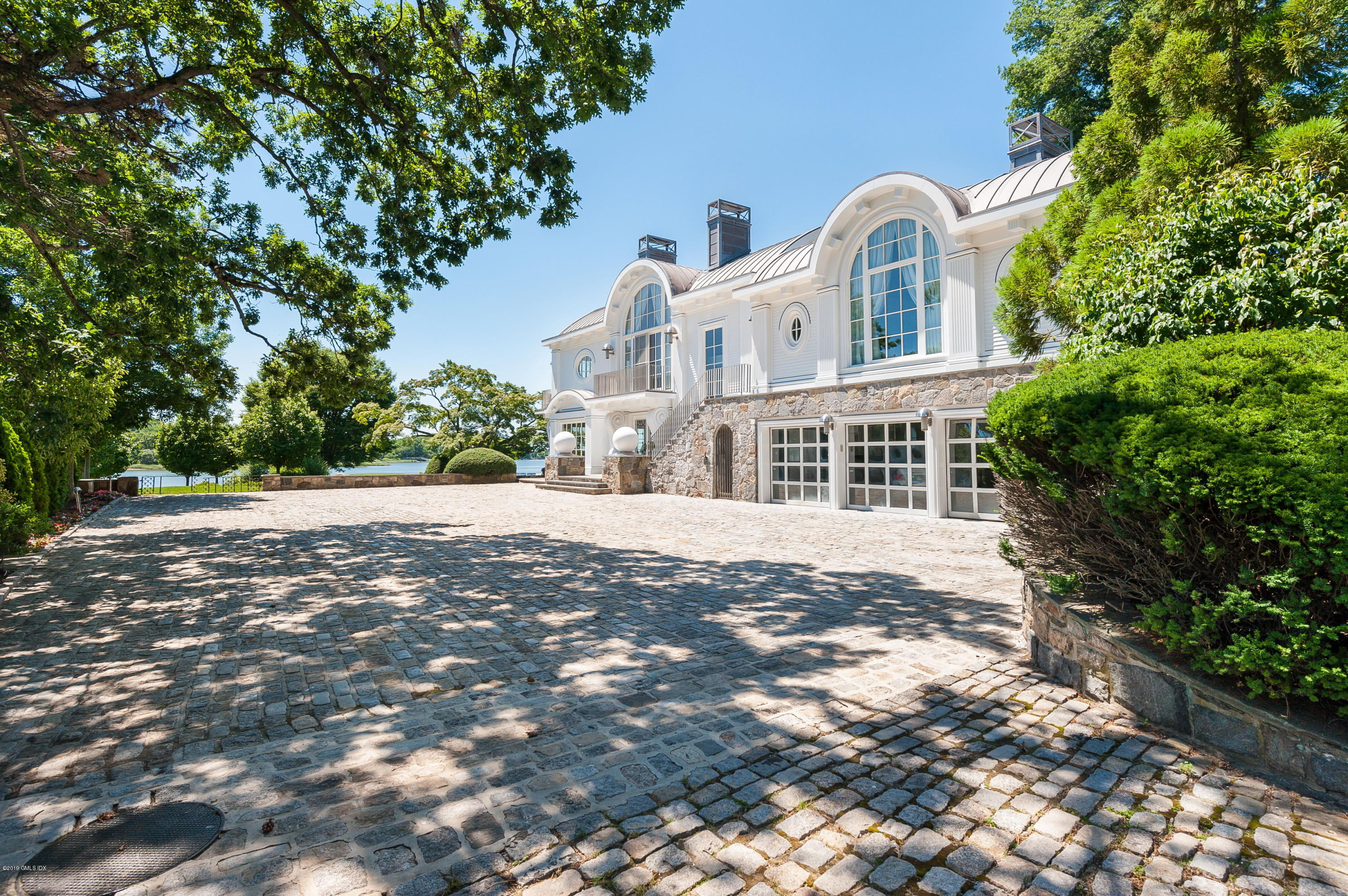 18 Chimney Corner Lane, Greenwich, CT 06830