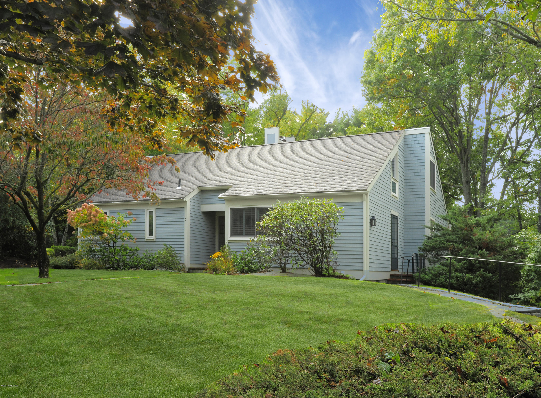 15 Lyon Farm Drive,Greenwich,Connecticut 06831,3 Bedrooms Bedrooms,3 BathroomsBathrooms,Condominium,Lyon Farm,105239