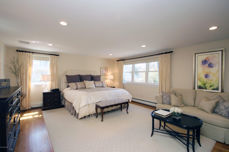 159 Riverside Avenue,Riverside,Connecticut 06878,4 Bedrooms Bedrooms,2 BathroomsBathrooms,Single family,Riverside,105444