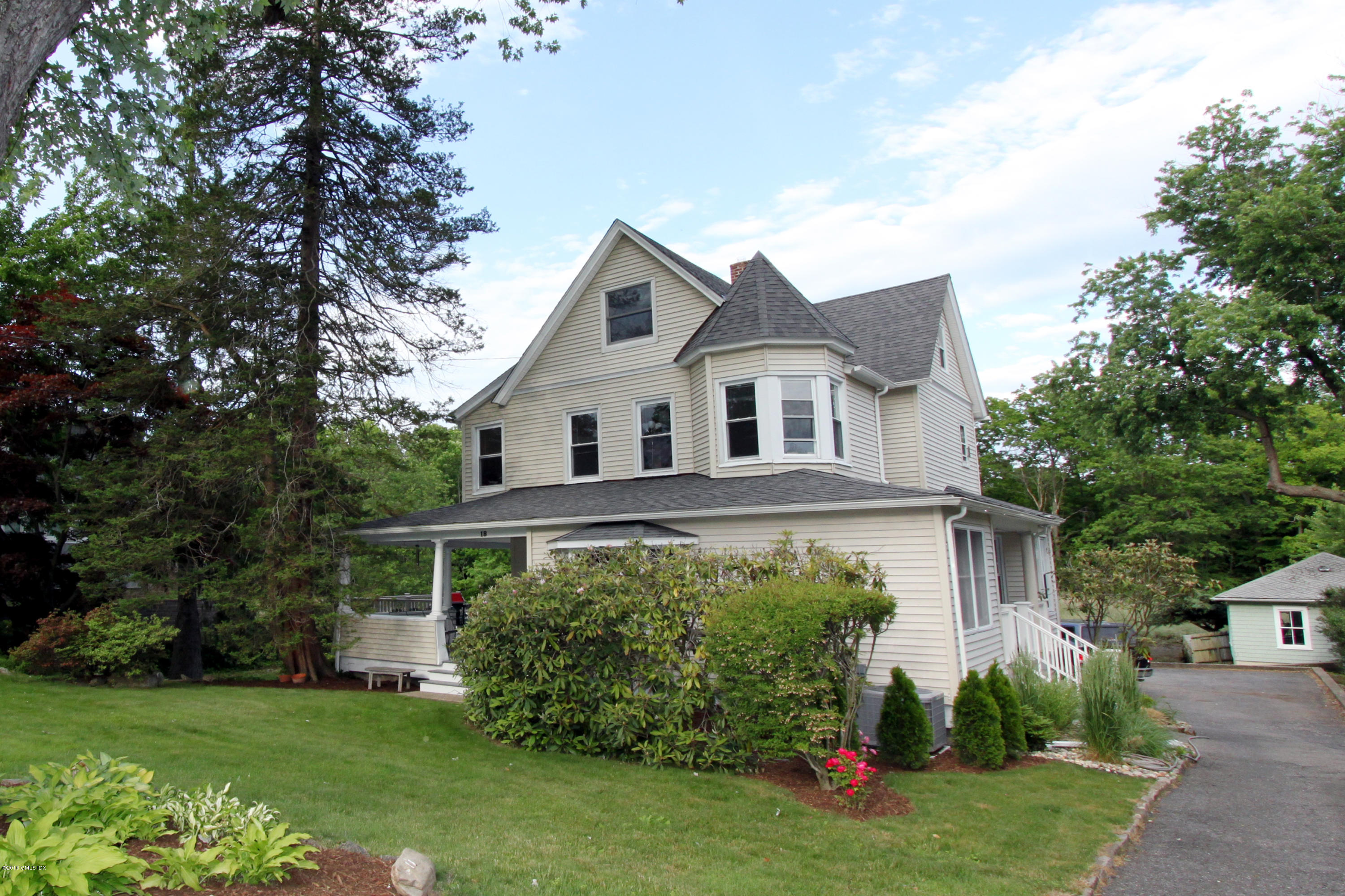 18 Shore Road,Old Greenwich,Connecticut 06870,4 Bedrooms Bedrooms,2 BathroomsBathrooms,Single family,Shore,105269