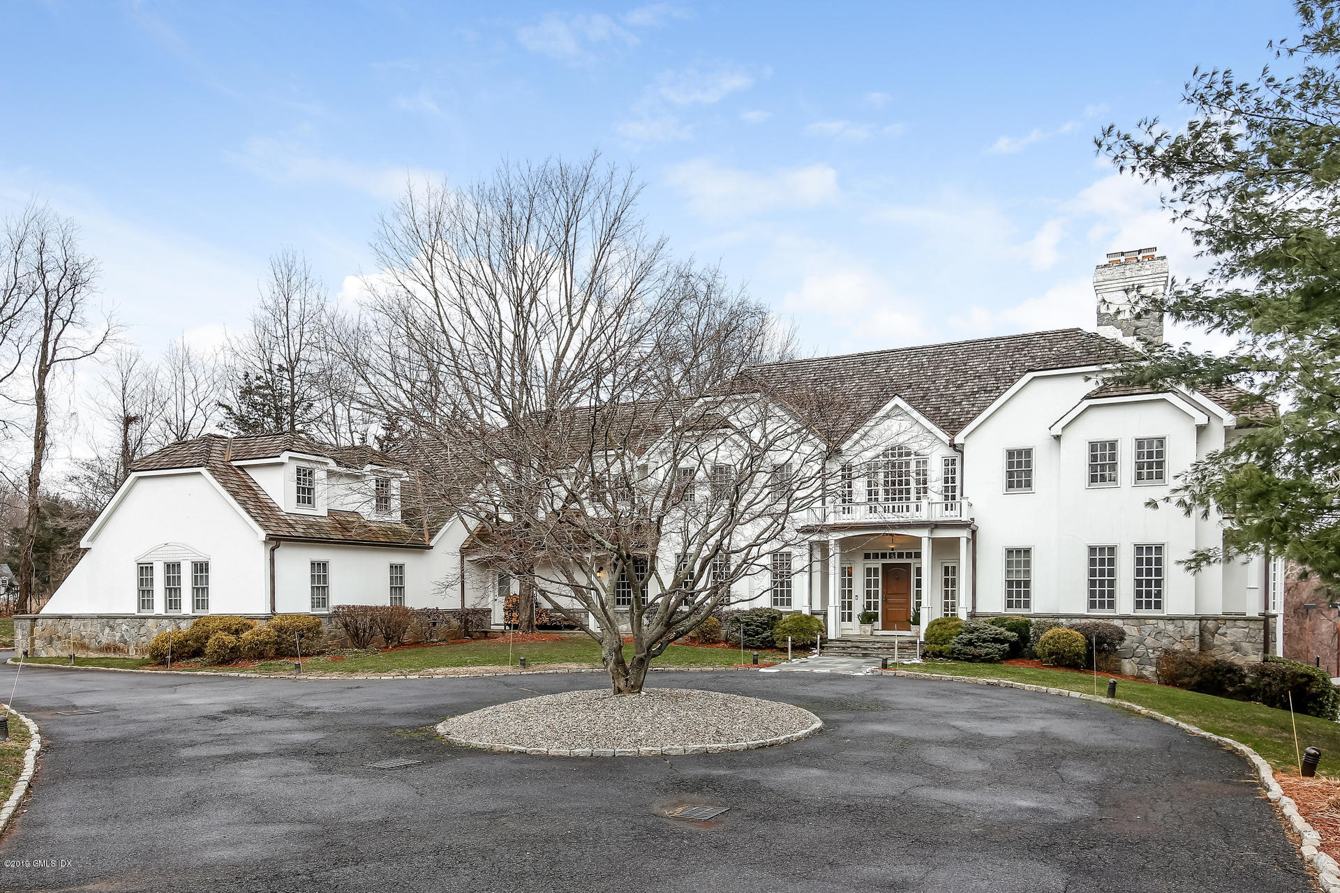 613 Round Hill Road,Greenwich,Connecticut 06831,6 Bedrooms Bedrooms,6 BathroomsBathrooms,Single family,Round Hill,105316