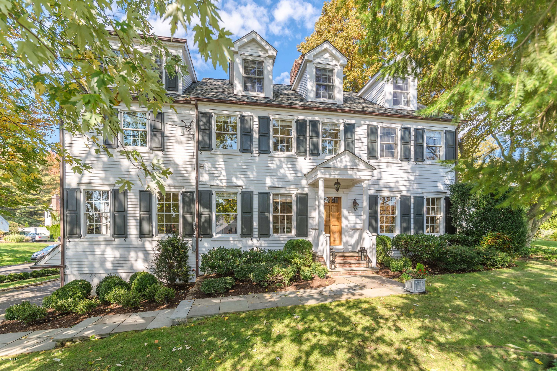 27 Meadow Road,Riverside,Connecticut 06878,6 Bedrooms Bedrooms,4 BathroomsBathrooms,Single family,Meadow,105622