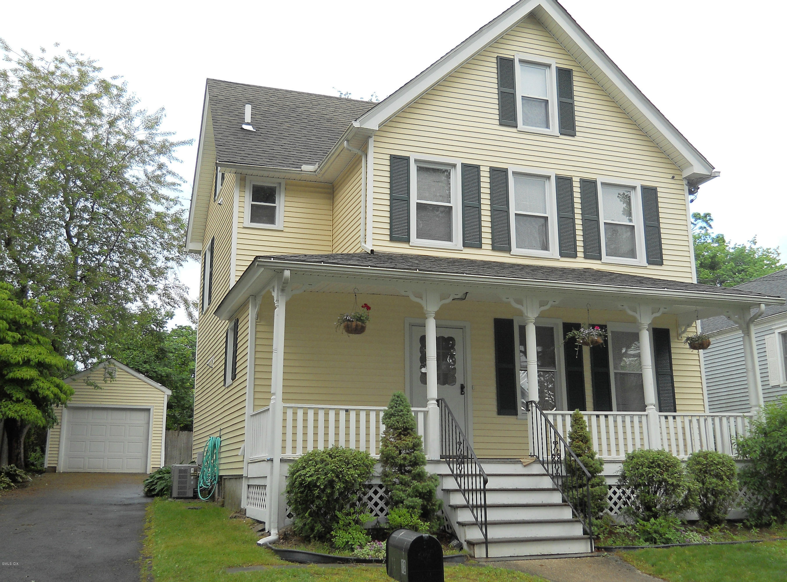 12 Rockland Place, Old Greenwich, CT 06870
