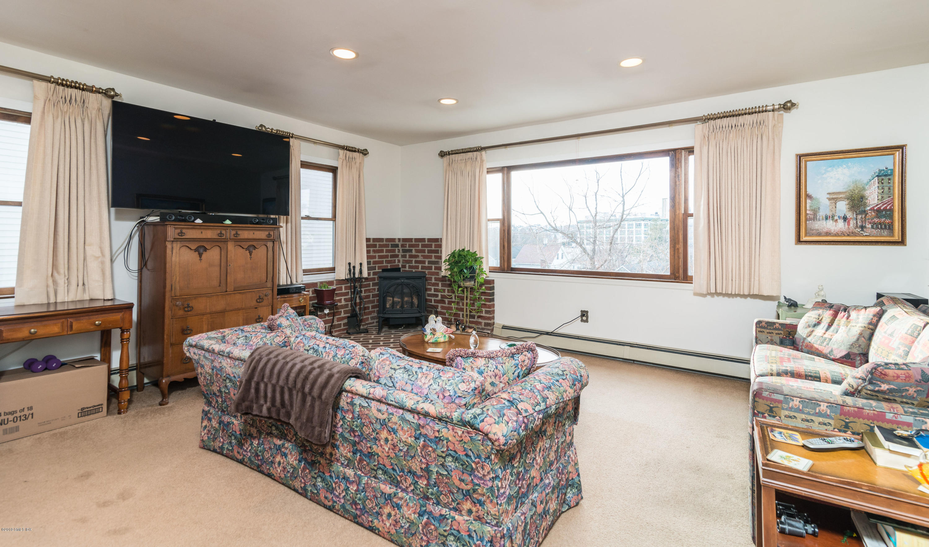 76 Henry Street,Greenwich,Connecticut 06830,2 Bedrooms Bedrooms,1 BathroomBathrooms,Single family,Henry,105448