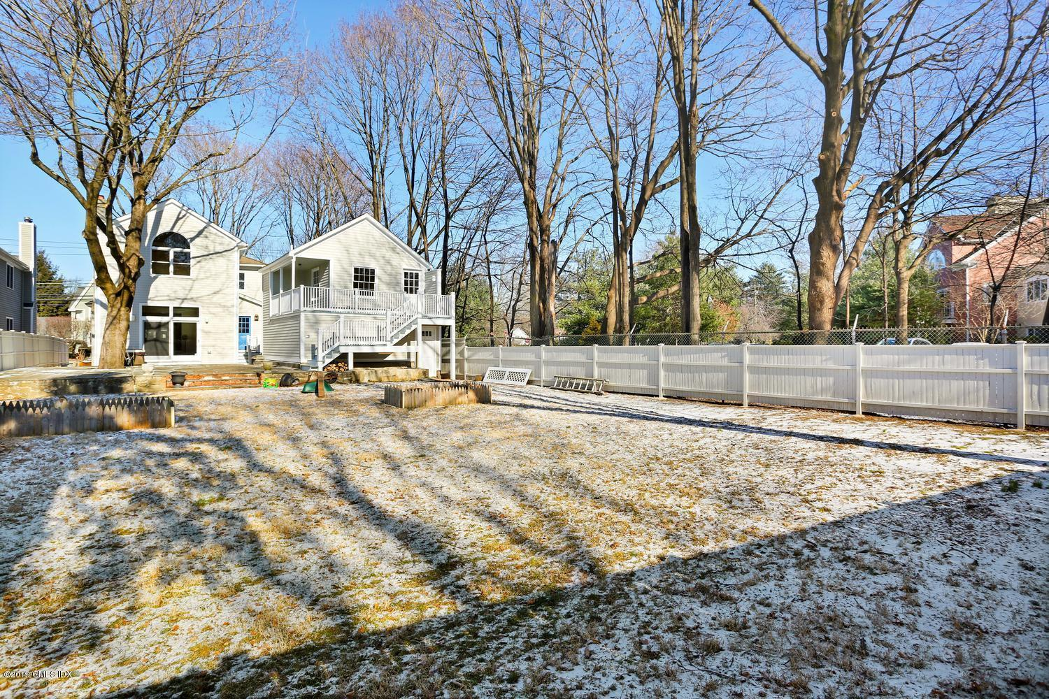35 Forest Avenue,Old Greenwich,Connecticut 06870,4 Bedrooms Bedrooms,2 BathroomsBathrooms,Single family,Forest,105449