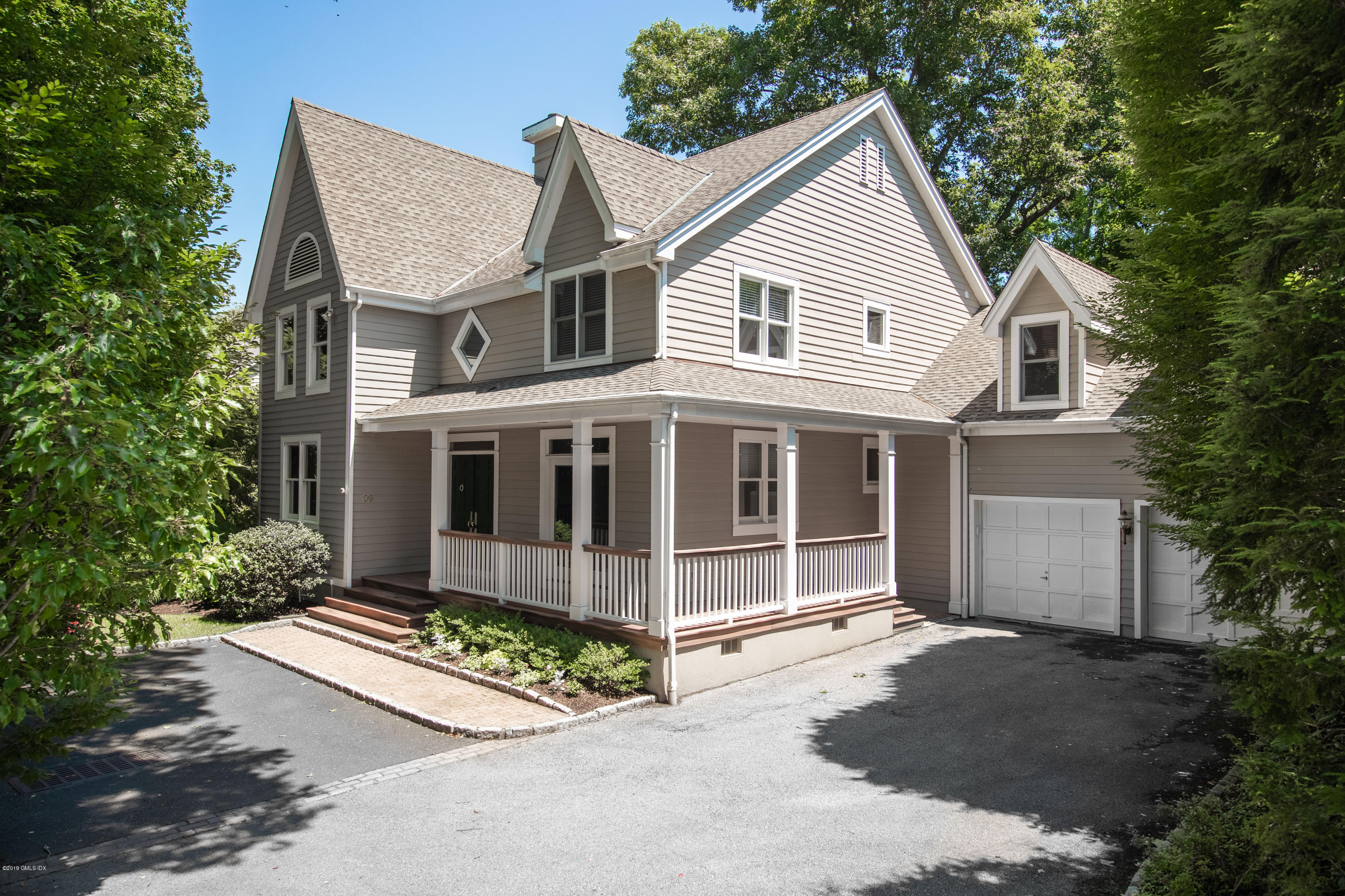 28 Forest Avenue, Old Greenwich, CT 06870