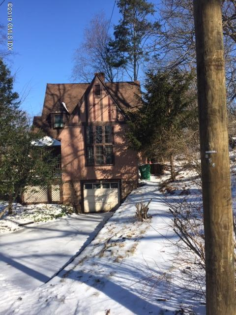 57 Center Drive, Old Greenwich, CT 06870