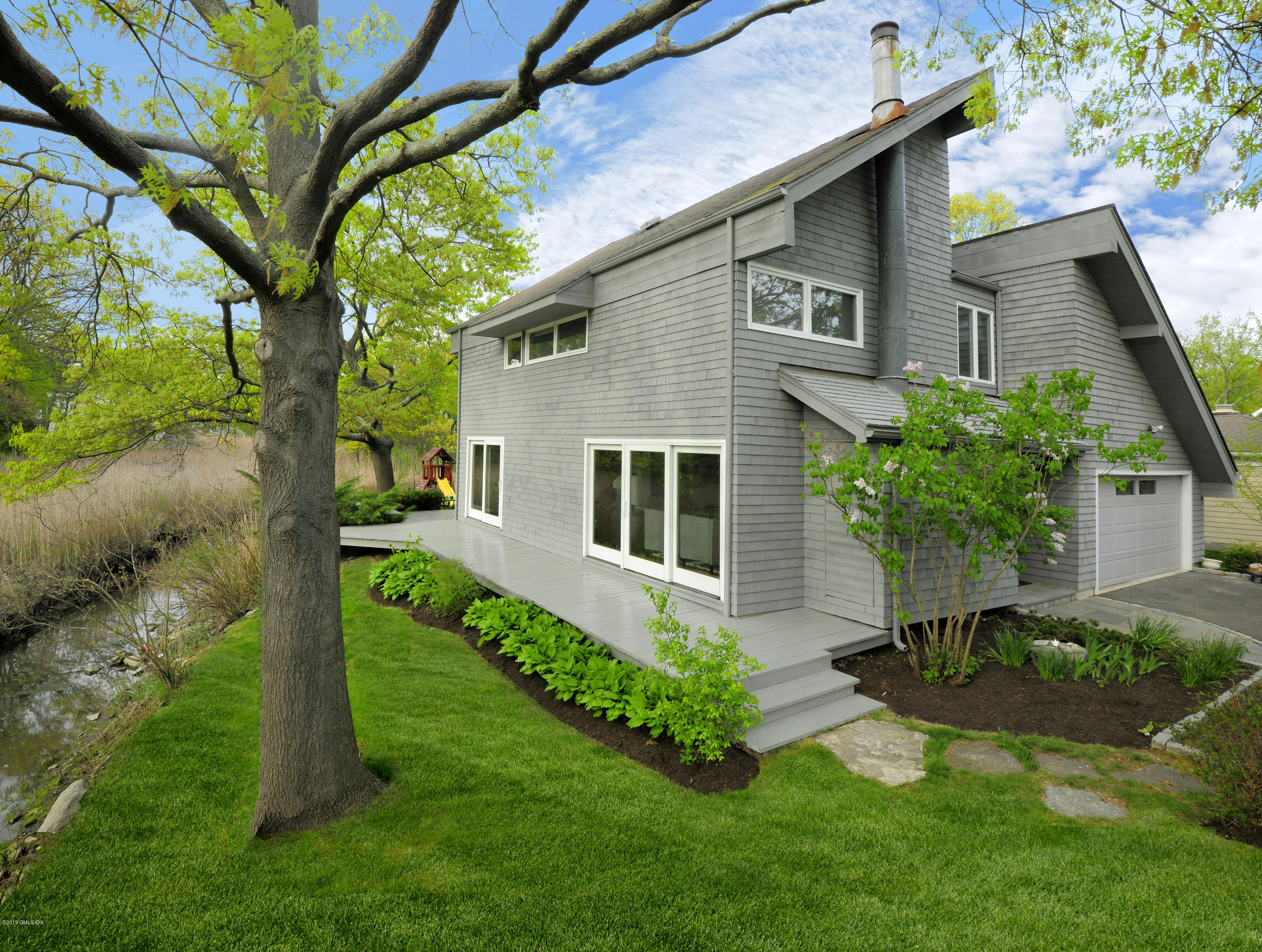 27 Edgewater Drive, Old Greenwich, CT 06870