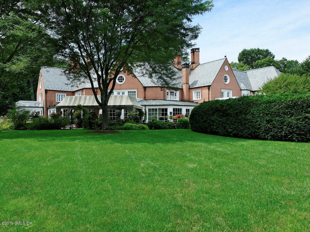 76 W Turtle Back Lane, New Canaan, CT 06840