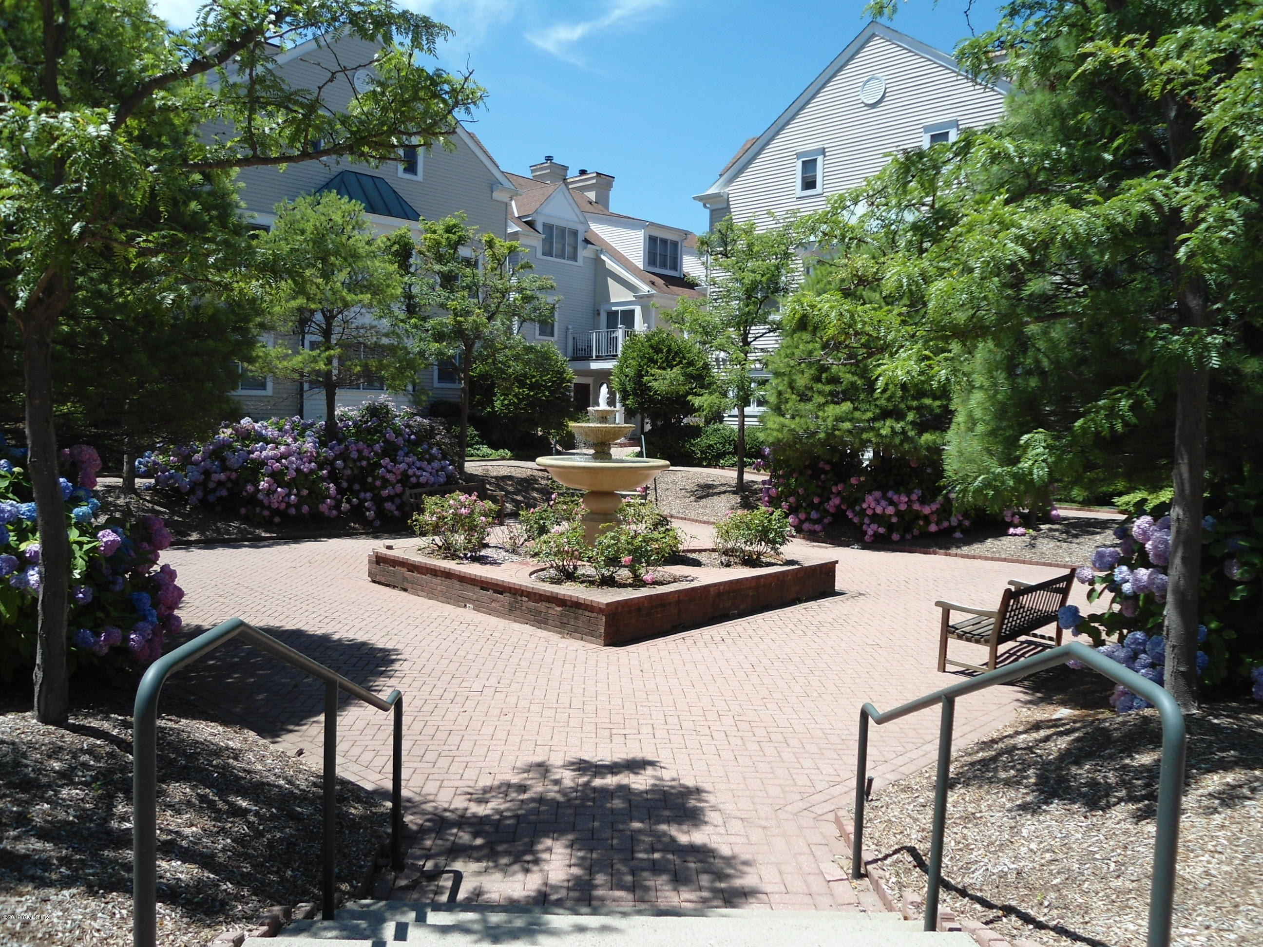 51 Forest Avenue, #92, Old Greenwich, CT 06870
