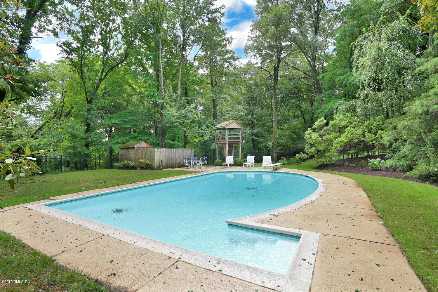8 Tinker Lane, Greenwich, CT 06830