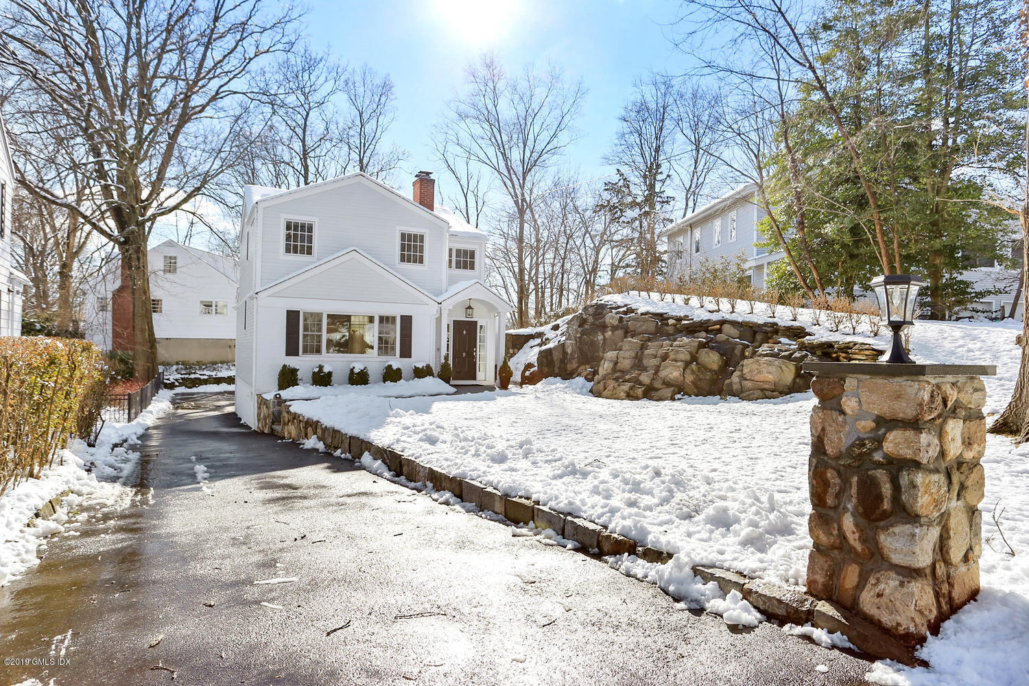 9 Ferris Drive, Old Greenwich, CT 06870